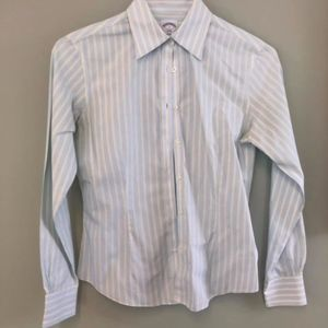 Brooks Brothers 2 Women Button Down no iron tailor
